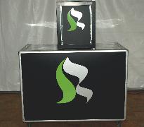 Theke mit TableTop-Kühlschrank